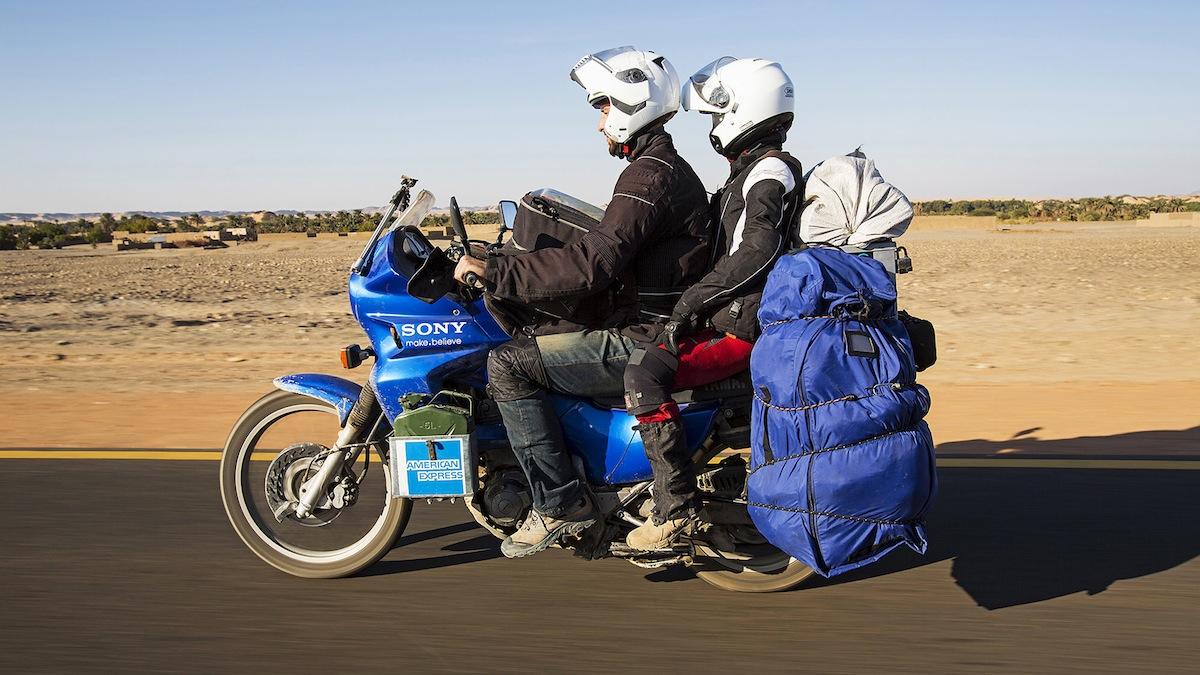 Maja i Davor voze kroz sudansku pustinju